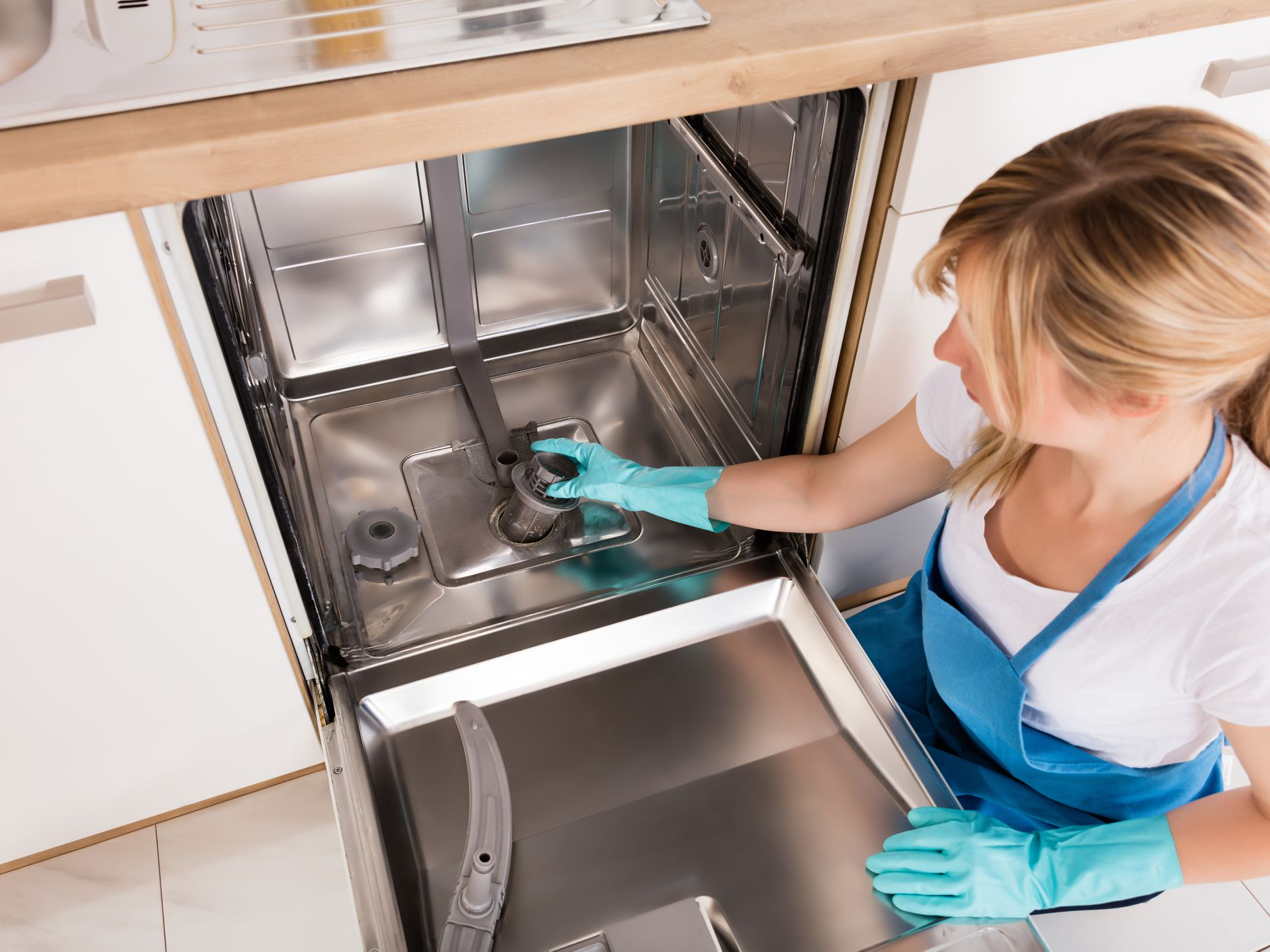 Tips to Fix a Dishwasher That Leaves Dirty Dishes